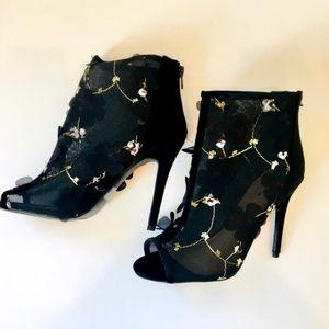Open toe black mesh heeled bootie floral